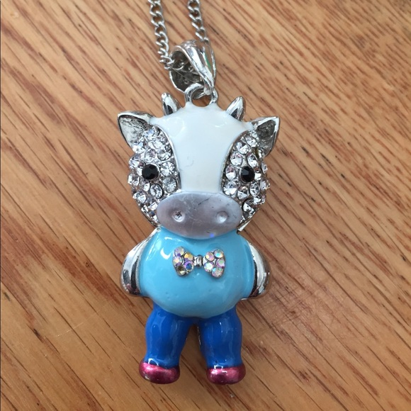 New with tag cow necklace